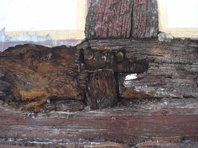 5 Schäden am Schwellenholz